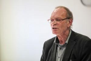 Landesdelegiertenversammlung 2015 im Kiek-in in Neumünster; Grusswort des Sprechers der Partei Die Linke SH durch den Sprecher Jens Schulz
